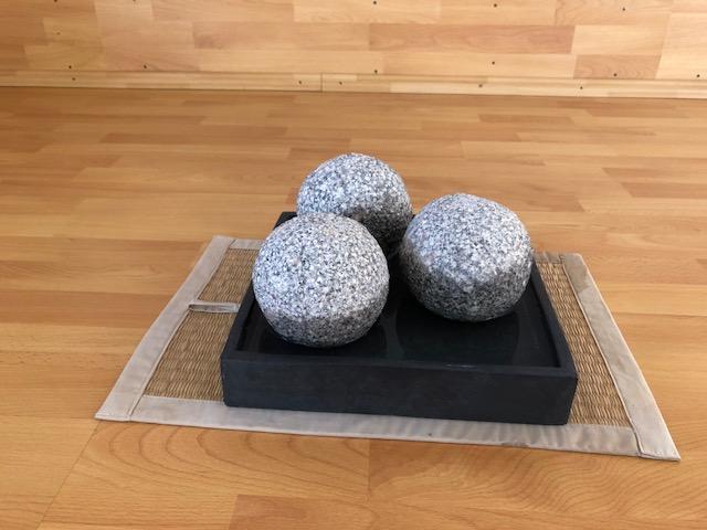 """3Kugeln01 - Projekt """"Freiraum"""" am Hochrhein: Der Raum der """"Stille und Erinnerung"""" - 3 Kugeln im Quadrat"""