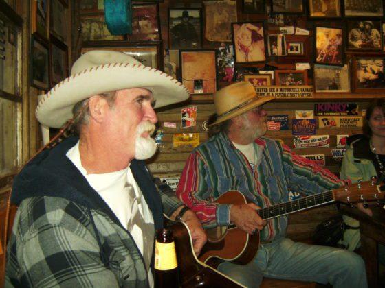 BILD0721 560x420 - Luckenbach Texas, USA