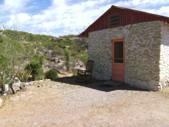 BILD0928 560x420 - Chinati Hot Springs, Texas