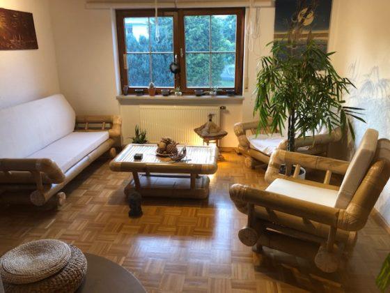 """Bambus Wohnzimmer01 560x420 - Projekt """"Freiraum"""" am Hochrhein: Wohnzimmer aus Bambus - die """"Bali-Lounge"""""""