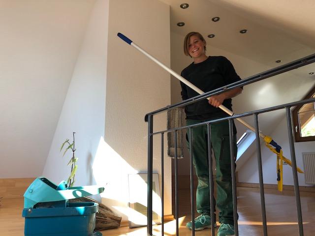 """Freiraum 05OCT AnnaHecht - Projekt """"Freiraum"""" am Hochrhein: Uwe vom Haus- & Hof-Service Hecht erleuchtet uns"""