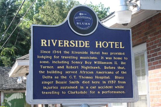 MSBluesTrail Clarksdale07 - Clarksdale, Mississippi: Das Riverside Hotel