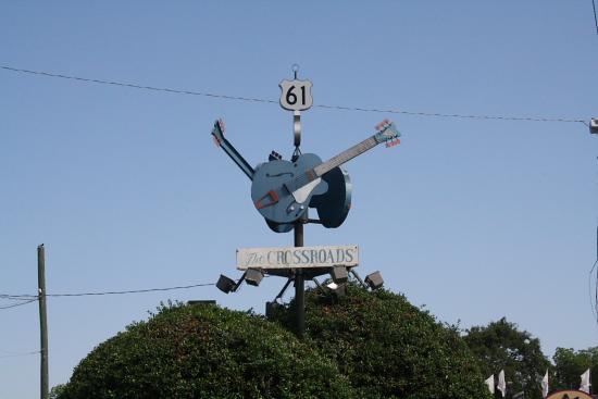 MSBluesTrail Crossroads - Clarksdale, Mississippi: Crossroads - hier hat Robert Johnson angeblich seine Seele dem Teufel verkauft