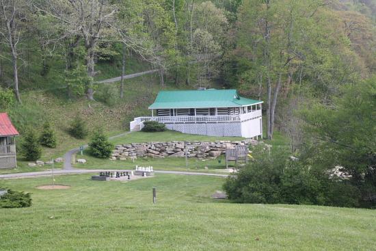 """MountainLakeHotel04 - Drehort von Dirty Dancing: Das Mountain Lake Hotel in Virginia ist das """"echte Kellerman's"""""""