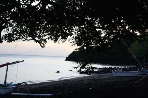 """GoodKarma Morgenstimmung - Im Osten von Bali: Die """"Good Karma Bungalows"""" nahe Amed"""