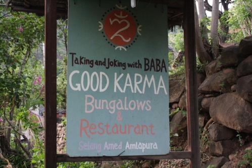 """GoodKarma Schild - Im Osten von Bali: Die """"Good Karma Bungalows"""" nahe Amed"""