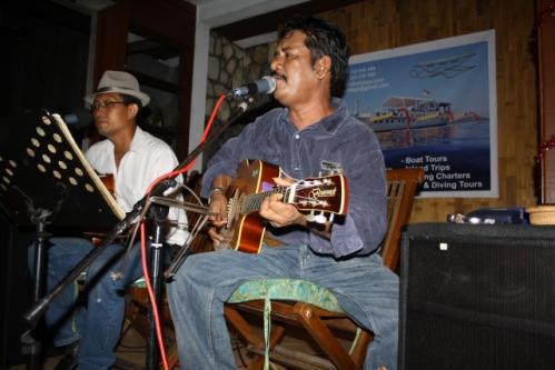 LuckyDay LifeMusic Sammy - Bali Restaurant-Tip: Lucky Day, Seminyak