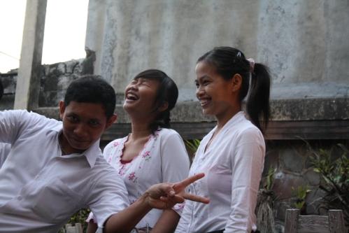 """LuckyDay03 - Indonesien: Beamte sollen nach Bali """"verlegt"""" werden"""