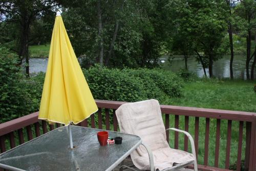 Rivershore Cabins01 - USA: Grants Pass - Urlaub im Süden von Oregon