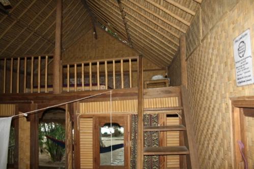 """Zimmer OberesSchlafzimmer - Im Osten von Bali: Die """"Good Karma Bungalows"""" nahe Amed"""