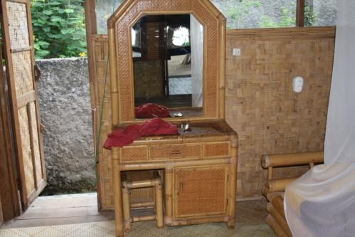 """Zimmer Schreibtisch - Im Osten von Bali: Die """"Good Karma Bungalows"""" nahe Amed"""