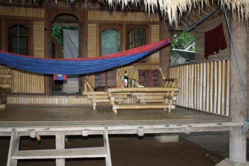 """Zimmer TerrasseHaengematte - Im Osten von Bali: Die """"Good Karma Bungalows"""" nahe Amed"""