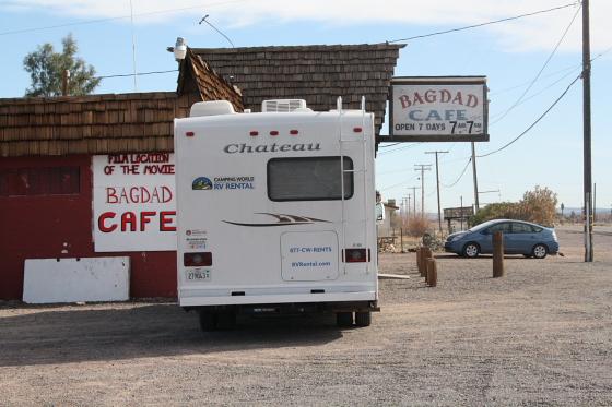 "BagdadCafe03 - Bagdad Cafe - ""Out of Rosenheim"": Kalifornien - der Verfall eines Filmdrehortes oder Brenda ist tot"