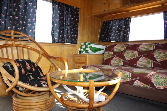 HTP NewWorld02 - Hicksville Trailer Palace, Kalifornien: Nostalgie Wohnwagen - Schlafen in der Mojave Wüste