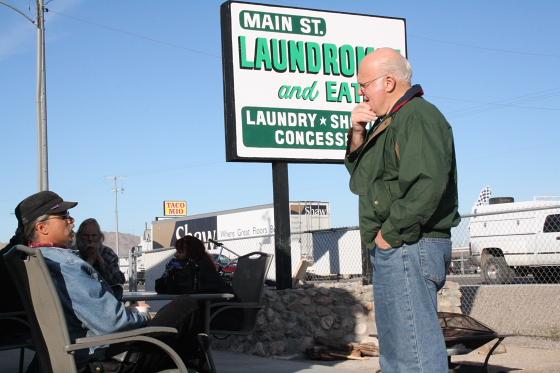 JoeLange19JAN01 - Quartzsite, Arizona: Frühstück mit Police Chief Jeff