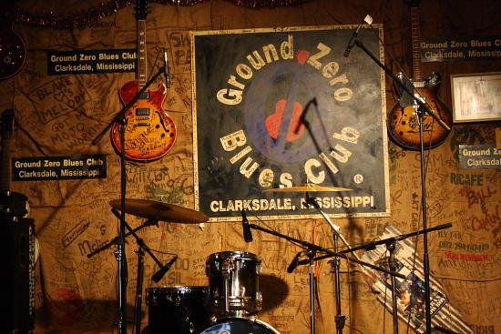 MSBluesTrail GroundZeroBluesClub03 - Der Ground Zero Blues Club von Morgan Freeman in Clarksdale, Mississippi