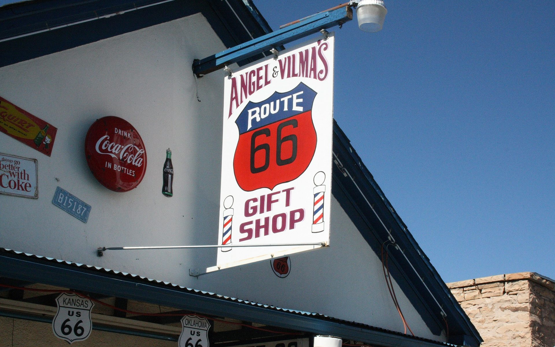 angel vilmas giftshop 1920x1200 - Route 66, Arizona: Angel & Vilma Delgadillo's Gift Shop in Seligman
