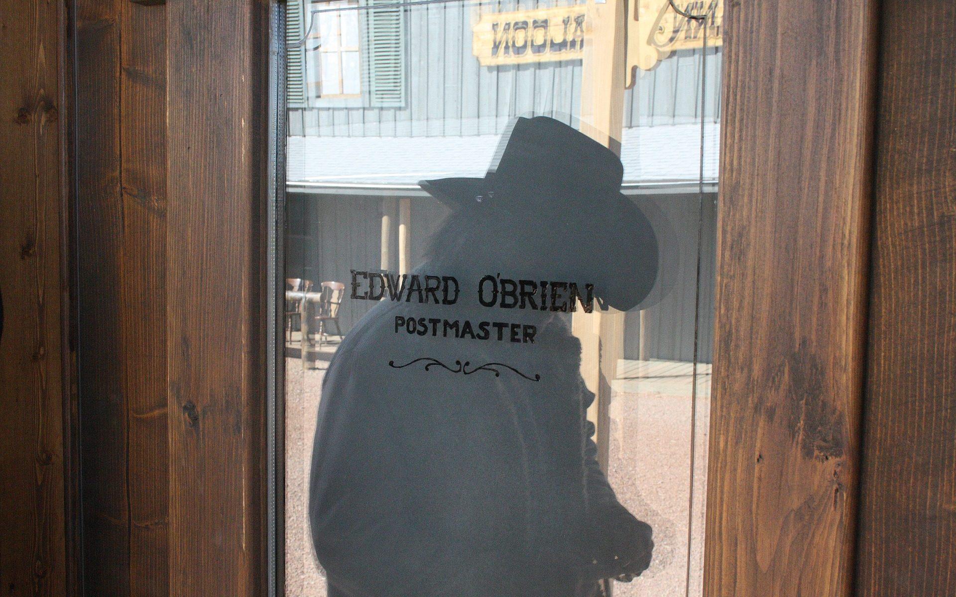 apache spirit shadow cowboy 1920x1200 - USA: Tombstone, Arizona