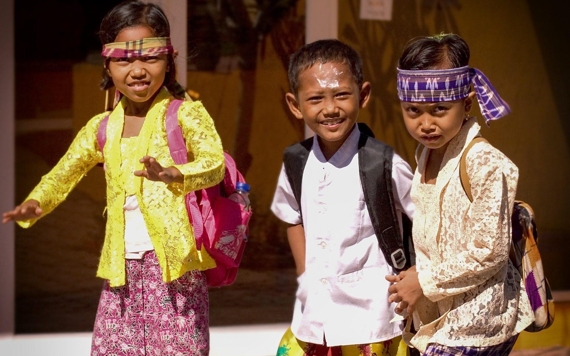 bali children 1920x1200 - Indonesien: Namen auf Bali - bei vier ist Schluss