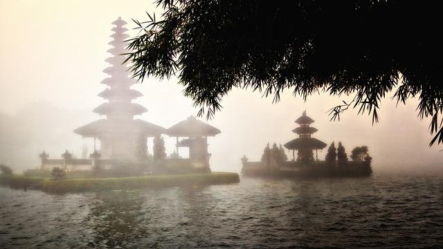 bali pura bratan temple 640 - Bali: Hunderte Hotels werden zum Verkauf angeboten