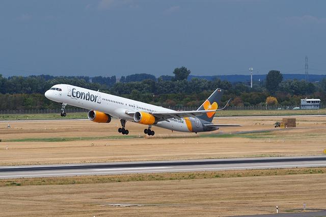 condor airline - Deutschland: Condor erneuert gesamte Langstreckenflotte