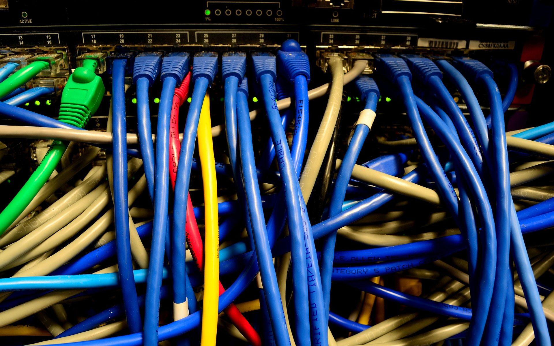 datacenter ethernet 1920x1200 - traveLink in eigener Sache: Warum wir mit Alfahosting rundum zufrieden sind