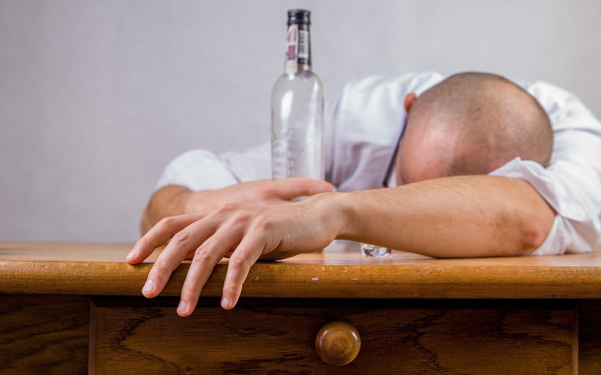 drunken besoffen 1920x1200 - Bing: Die Suchmaschine von Microsoft - sturzbetrunken durch die Nacht