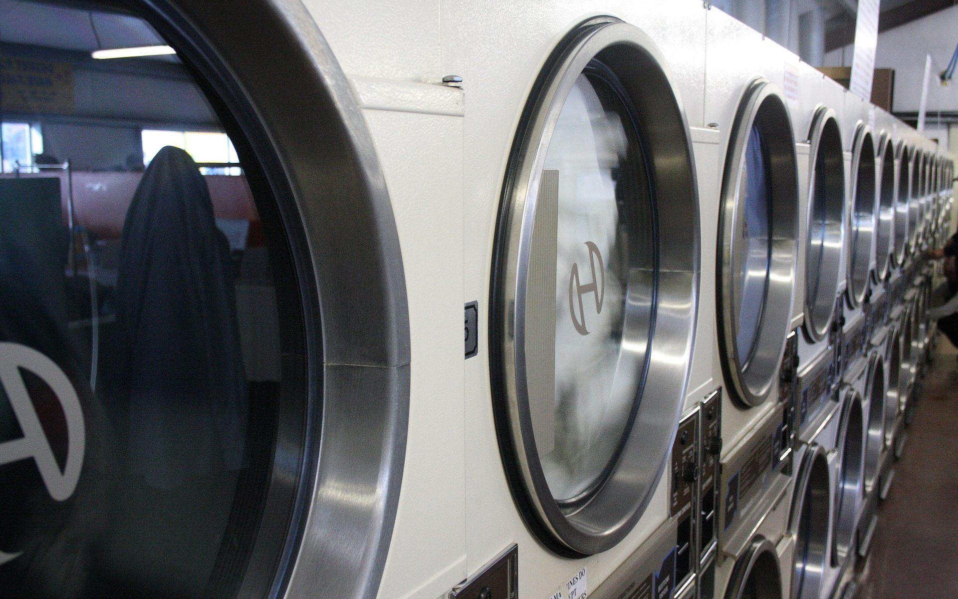 quartzsite laundry big 1920x1200 - Quartzsite, Arizona: Main Street Laundry - schmutzige Wäsche und gutes Essen