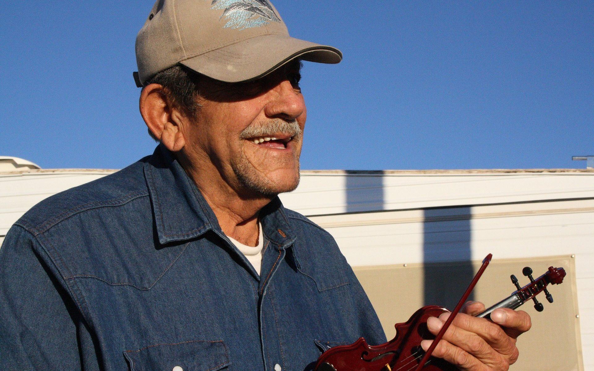 """quartzsite people smiley 1920x1200 - Quartzsite, Arizona: Snowbirds are wonderful people - """"Thank you Tino"""" !"""