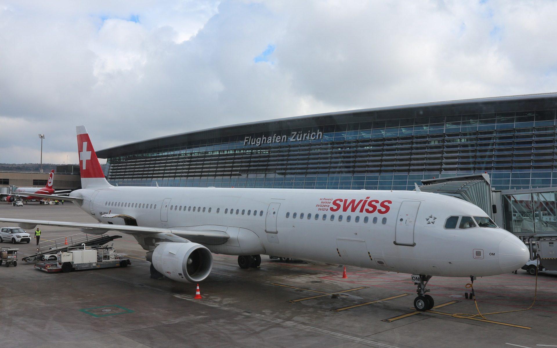 swiss zurich airport 1920x1200 - Flughafen Zürich: Am ZRH finden seltsame Flugmanöver statt